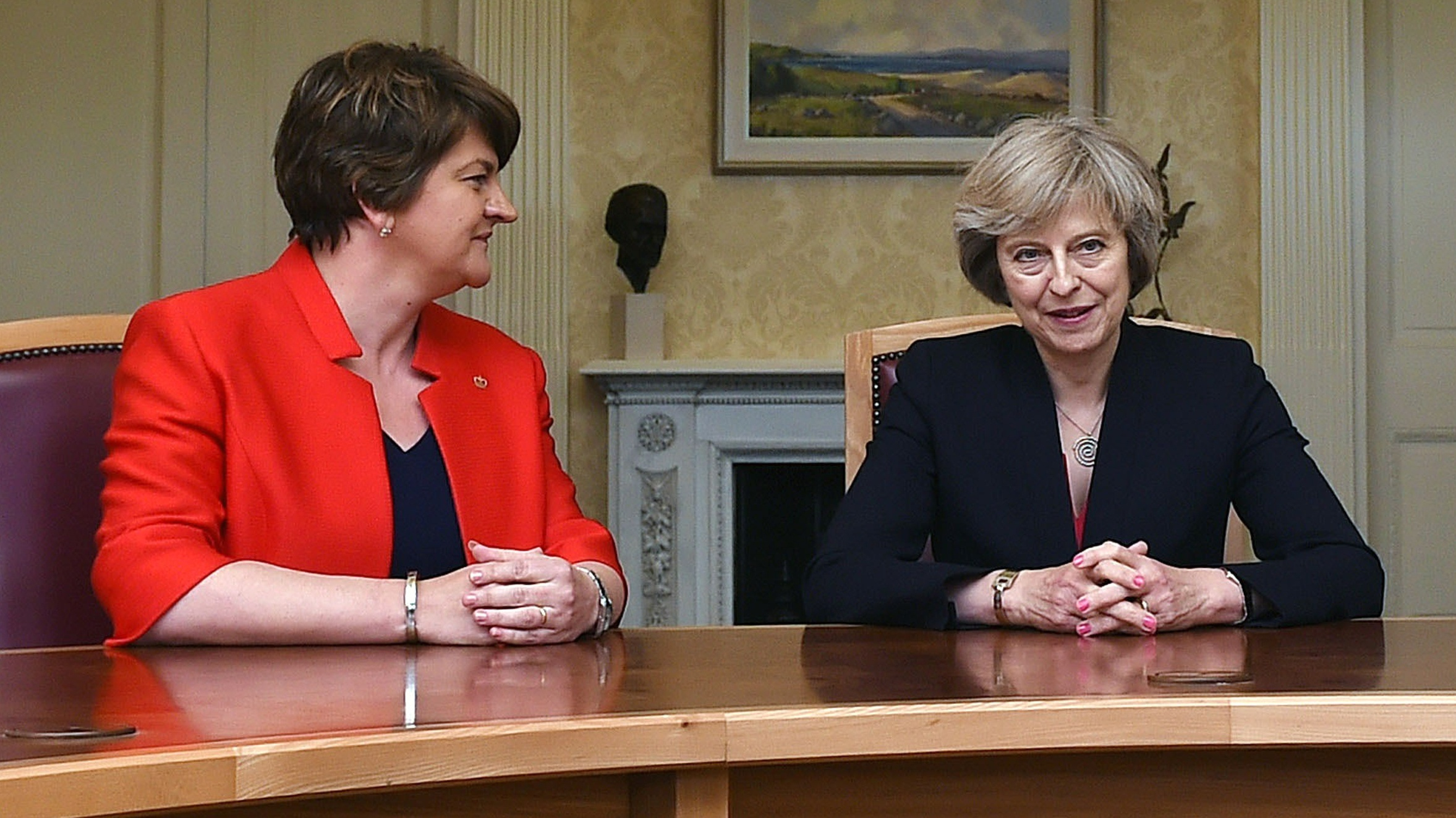 Talks to strike deal with DUP 'ongoing' says Downing Street